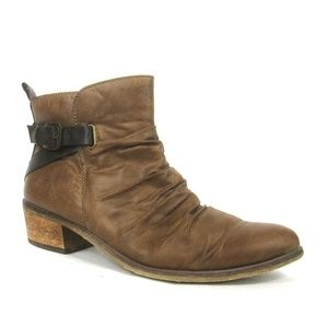 Baretraps Pennie Ruched Ankle Western Boots Brown